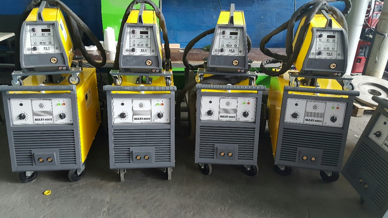 Welding machines for manual MIG / MAG welding.